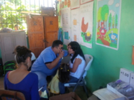 Clinica San Lucas Ophthalmologist working in the field